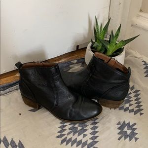 Lucky leather booties